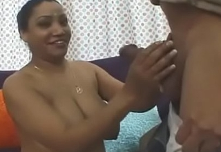 Desi Aunty Fucked By Guest!!
