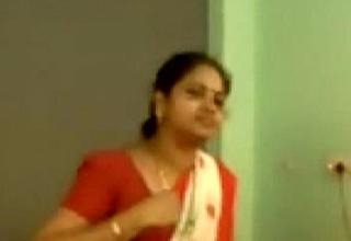 School teacher drilled by her paramour teacher