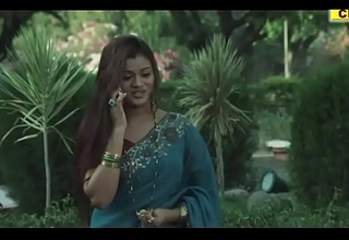 Beautiful Girl Swan around Into B Commingle Pave Indian Romantic Videos