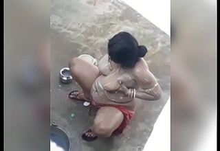 Desi aunty outdoor bath