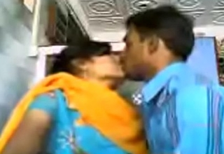 xxx video 20151123-PV0001-Nagpur (IM) Hindi 28 yrs old unmarried girl Veena kissing (Liplock) her 29 yrs old unmarried lover Sanjay readily obtainable ale shop sex porn video