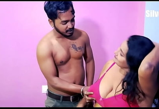 Indian girl is maintaining two Boyfriends!!! Ornament 01