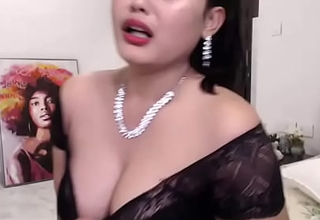 Indian Hot cam latitudinarian enjoying her show (english)