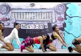 hawt desi dance and romace emotiong video songs