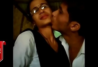 Best kiss video by a handful of lovers   whatsapp viral video   College lovers mms video