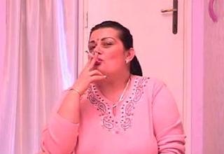 Mature Pussy Smoking Cigs