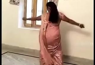 Crestfallen Hot Aunty doing Desi Mujra