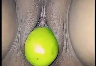 lemon wrapround in Desi pussy