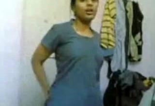 Scandle 0006 - Desi Shruti Naked Girl (Preeti Tyagi)