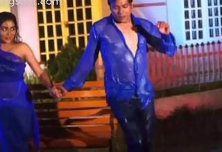 Zakia baro Momo showing her big boobs coupled with navel in the bnagla movie rain song amar prothom valobasha