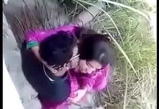 Village Desi indian clamp open-air sex, open-air sex couple, viral sex Desi indian clamp doing sex at open-air