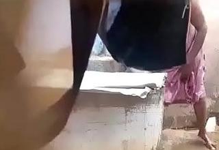 Tamil aunty big boobs flushing