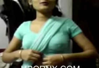 Indian Girl take Saree seducing (new)