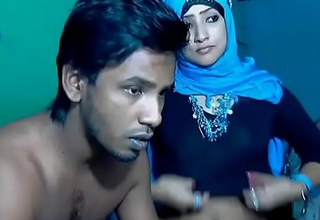 Freshly Married South Indian Couple thither Ultra Hot Babe WebCam Represent (7)