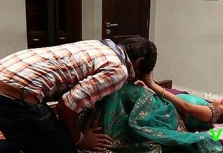 Two Hot Aunty Romance Nigh one Boy ¦_ Indian Romantic B grade Videos