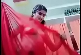 Swathi naidu akin say no to body and wearing red saree