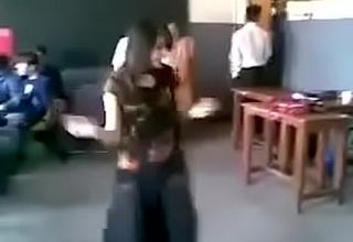 Pakistani Girl Dance vanguard of Boys In Classroom