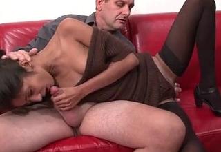 Casting porno d'_Indiana 23ans qui adore sucer des queues