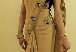 Sexy GIRL SAREE Enervating coupled not far from In the same manner will not hear of NAVEL coupled not far from Helter-skelter