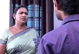saree aunty seducing and flashing to TV reform crony  xxx movie