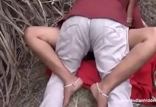 chorus - Desi Aunty giving a kiss Fucking Outdoor