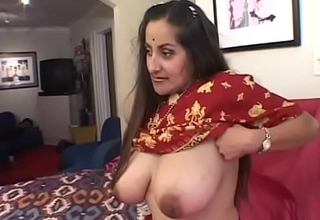 Guy puts his bushwa helter-skelter indian girl's brashness to the fullest will not hear of pussy gets eaten wits another
