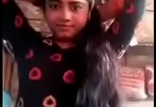 Cute Desi College Girl Shows her Uncover Body Video