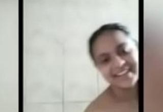 Hostel girl call with boyfriend